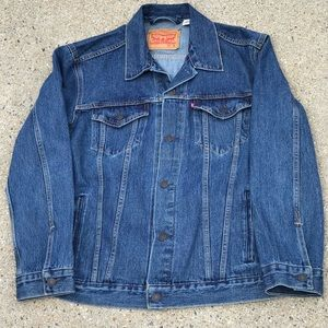 LEVIS JEAN JACKET SIZE XL FLAWLESS CONDITION